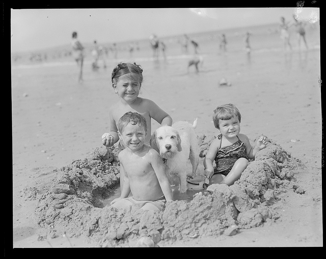 1934 - 1956: Kids & dog at the beach